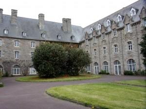 7 - Rive gauche - Le monastère Sainte Anne_red